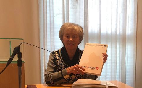 Femmy van Issum tijdens de persconferentie over de herfsteditie van de Ronde van Drenthe.