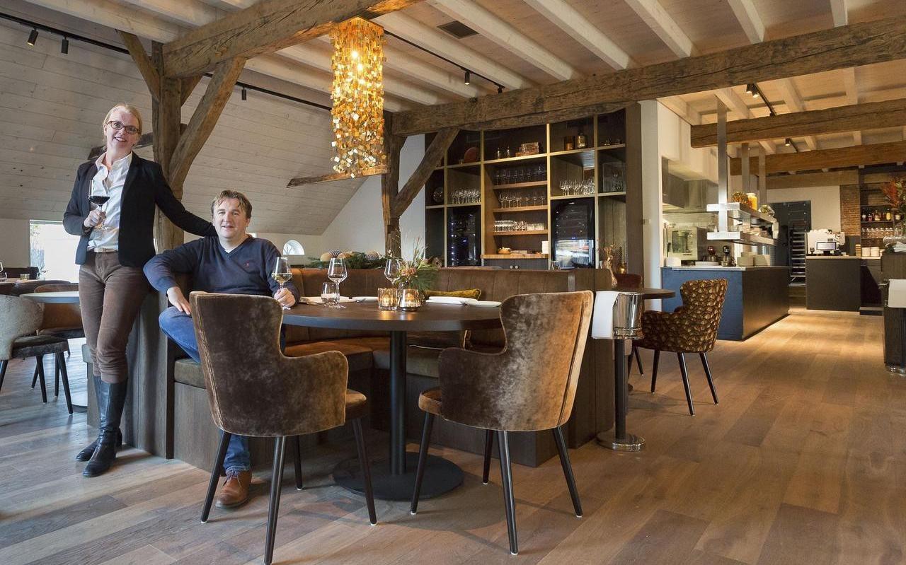 Henriëtte Waaijenberg en Hendrik-Jan Lip net voor de opening van hun restaurant Narline in december 2019.