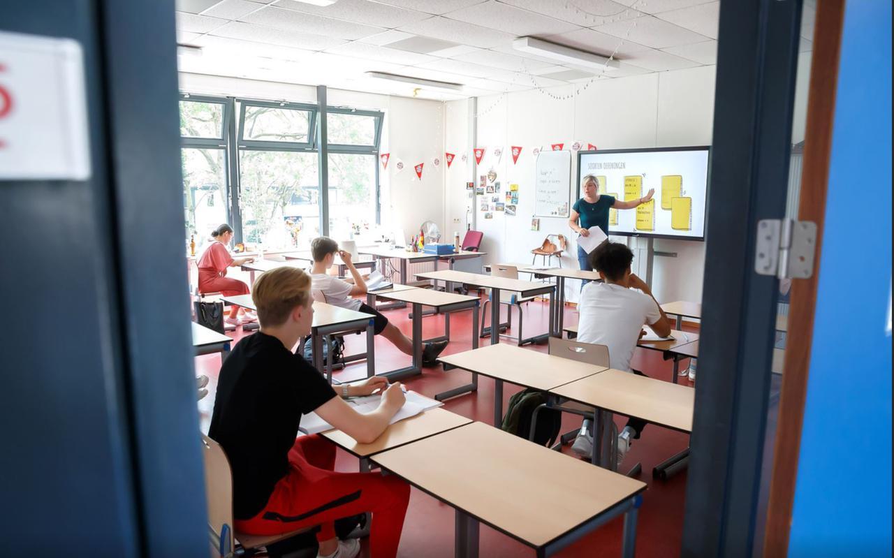Bij een kwart van de scholen is de kwaliteit van de binnenlucht niet goed, blijkt uit onderzoek van de Technische Universiteit Eindhoven.
