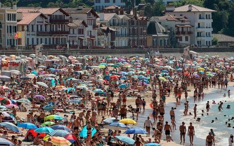 Coranavirus leeft weer op in Frankrijk, óók in vakantiegebieden