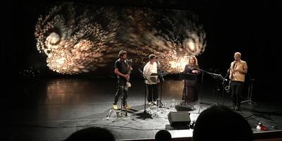 Ensemble 37 Fern met (vlnr.) Oğuz Büyükberber, Claron McFadden, Kristina Fuchs en Tobias Klein. Foto DvhN