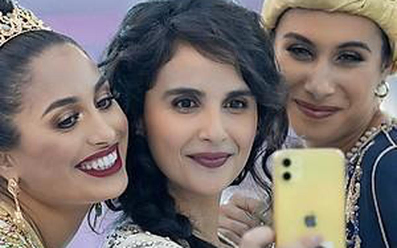 Maryam Hassouni (midden) in 'Meskina'
