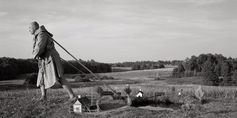 Werk van fotograaf Algis Griškevičius, getoond tijdens het Noorderlicht-project BuitenGewoon bij Klazienaveen in 2012. FOTO ARCHIEF NOORDERLICHT