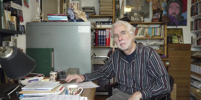 """Bertus Beltman: """"Ik zie soms gedichten waarvan ik niet weet of het nu proza of poëzie is."""" Foto DvhN"""
