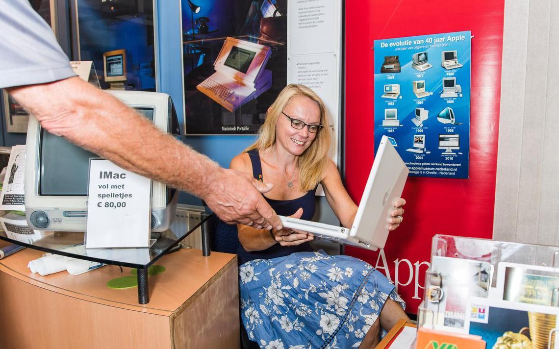 Apple Museum in Westerbork heeft zeldzame collectie van Amerikaanse Apple-verzamelaar binnen handbereik - Dagblad van het Noorden