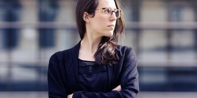 Clara Iannotta 'maakt scherpe, hardcore nieuwe muziek, maar wel met veel fijnzinnigheid en een groot schrijftalent'. Foto Astrid Ackermann