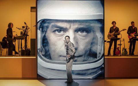 Recensie: Lazarus, veelbelovende musical voor Groningse Bowie-fans