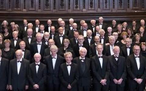Recensie: Welluidend passieconcert van het Concertkoor KOV Groningen (****)