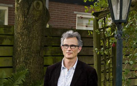 Cultuur aan Huis op dvhn.nl en Podium TV: Jan Veldman muteert in een speelgoedbootje
