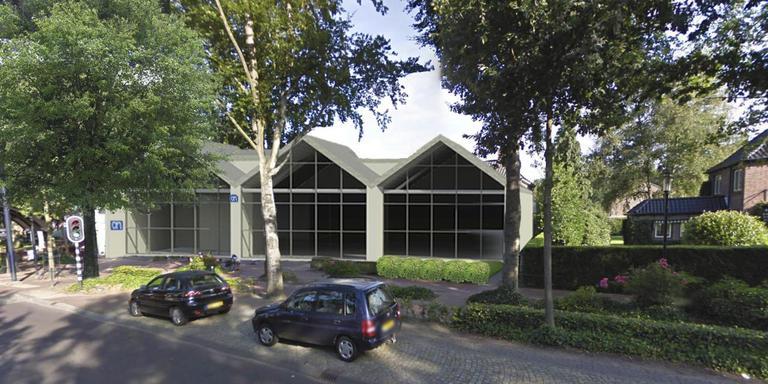 Er zijn al veel plaatjes gemaakt van hoe de Albert Heijn aan de Brink in Zuidlaren zou kunnen zitten. Tot bouwen is het nog niet gekomen. Illustratie: Team4 Architecten