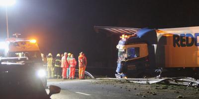 Ongeluk met twee vrachtwagens op A28 bij Assen. Foto: De Vries Media