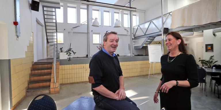 Vivian Keulaars en Eelco Hidskes in de ontvangstruimte van De Melkfabriek. Foto Harry Tielman