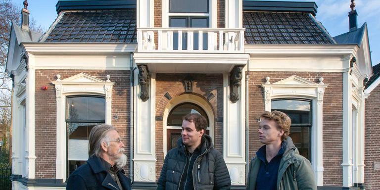 Ivo Winnubst, Kristian Kreeft en Raimon Loman (vlnr) voor huize Venendal.