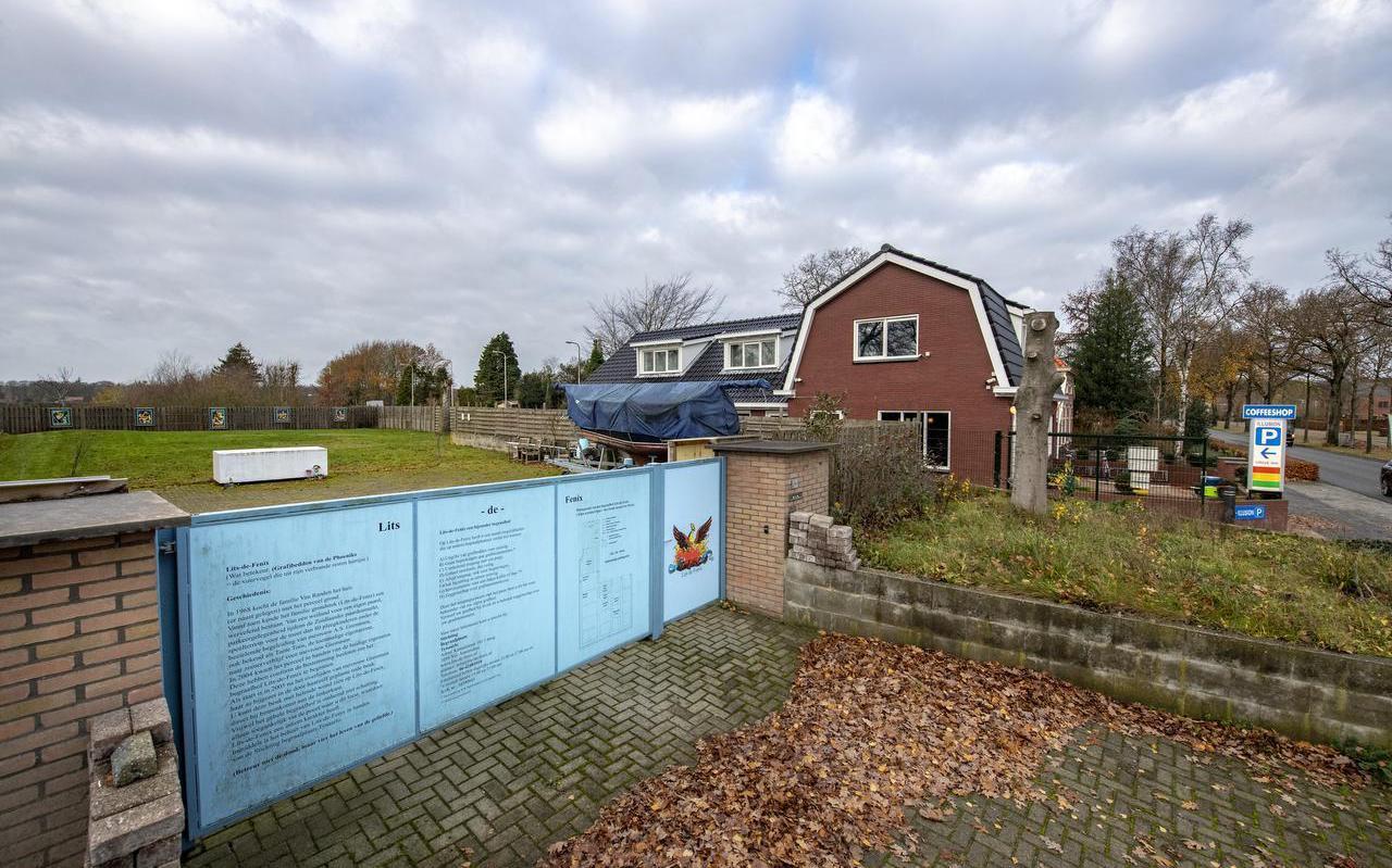Aan de Annerweg in Zuidlaren komt naast de coffeeshop mogelijk de grootste islamitische begraafplaats van Europa. Foto Marcel Jurian de Jong