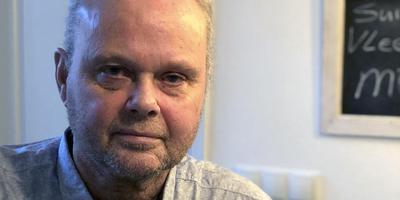 Johan Smit uit Steggerda, oud sergeant-majoor luchtmacht, legt het verband tussen zijn leukemie en de burnpits op vliegveld Kandahar, waar hij twee missies draaide.