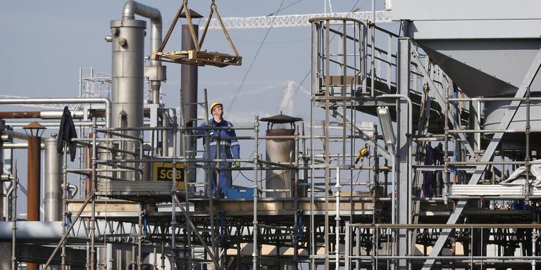 Installaties bij Vermilion Energy Netherlands in Harlingen. FOTO ARCHIEF DVHN