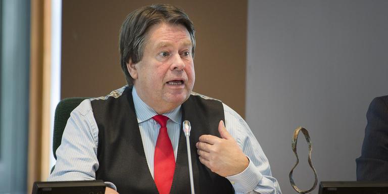 Voormalig commissaris van de Koning Dhr. J (Jacques) Tichelaar in provinciehuis Drenthe. Foto: Jaspar Moulijn