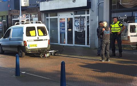 Fietser belandt in ziekenhuis na aanrijding