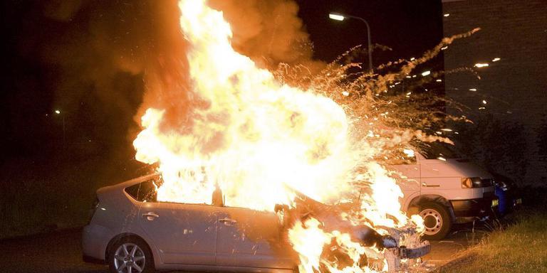 In Hoogeveen was het in 2014 en 2015 regelmatig raak. Tientallen auto's, caravans en aanhangwagens gingen in vlammen op. Maar Hoogeveen week niet af met vergelijkbare gemeenten, zeggen onderzoekers. Foto: Archief/DvhN