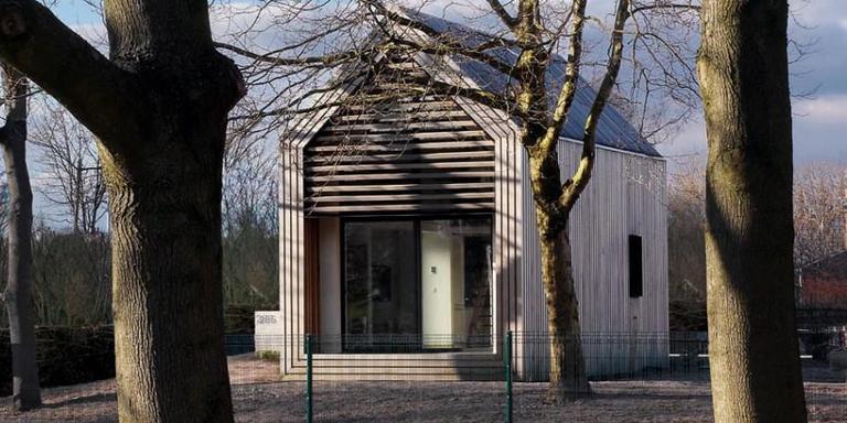 Assen wil tiny houses bouwen in de buitengebieden. Op de foto een tiny house in Friesland. Foto DvhN.