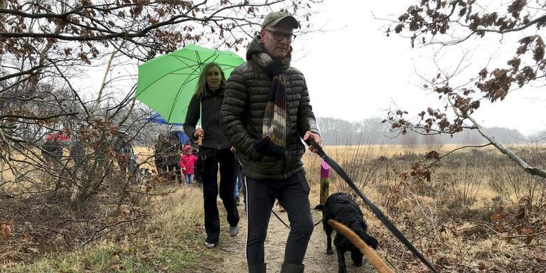 Liever een wandeling over het Balloërveld dan een drukke bijeenkomst in Den Haag. Foto DvhN