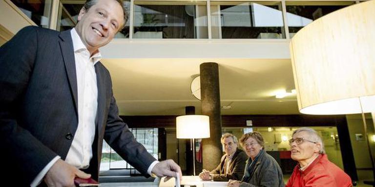 D66-partijleider Alexander Pechtold is een warm voorstander van het referendum. Hij bracht woensdag zijn stem uit in zijn woonplaats Wageningen. FOTO ANP