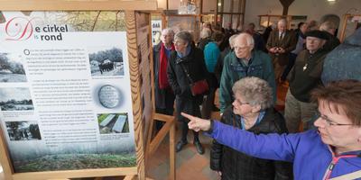 Maart 2016: in het OERmuseum is zojuist de expositie over archeoloog Albert Egges van Giffen geopend. FOTO ARCHIEF DVHN