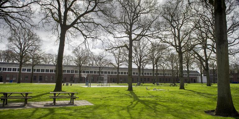 Gevangenis Norgerhaven heeft een ruime groene binnenplaats. Foto Archief DvhN