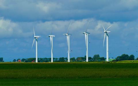 Inwoners Drenthe zitten 'in een behoorlijke klimaatspagaat: zonne- en windenergie ja, maar niet in mijn achtertuin' (zo blijkt uit het 'Drentse Energieverhaal')