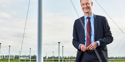 Burgemeester Jan Seton van Borger-Odoorn wil met hulp van een extern adviseur de verhoudingen met de gemeenteraad herstellen. Foto: Gemeente Borger-Odoorn
