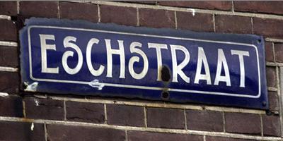 De Esstraat in Assen draagt nog de naam Eschstraat. In de straat vielen zeven doden bij een bombardement in januari 1941. Foto Archief/DvhN