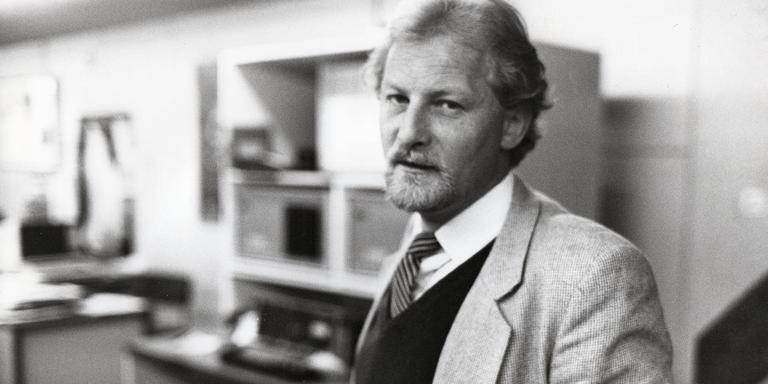Wladimir van der Burgh geportretteerd in de tijd dat hij voor het Nieuwsblad van het Noorden werkte. Foto: collectie fam. Van der Burgh