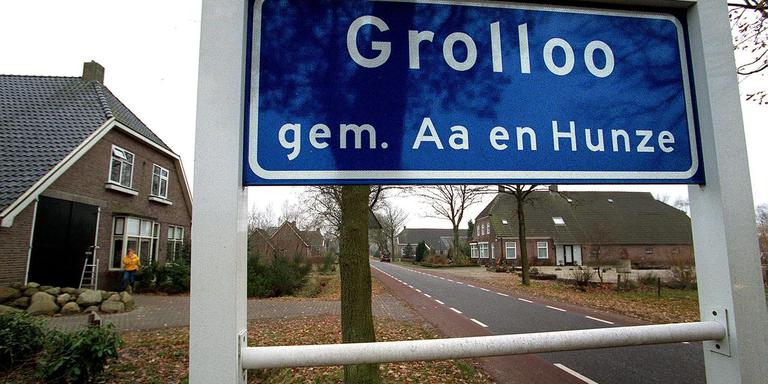 veiling grolloo levert bijna 11.000 euro op; ritje met johan derksen