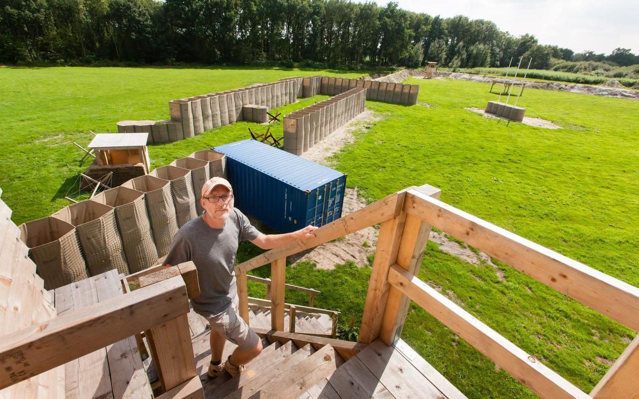 Edwin Stolk is nog druk bezig met het afronden van de bouw van het Basiskamp Entre Nous.