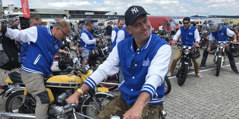 Blij dat ik rij op het circuit van Drenthe. Foto: DvhN
