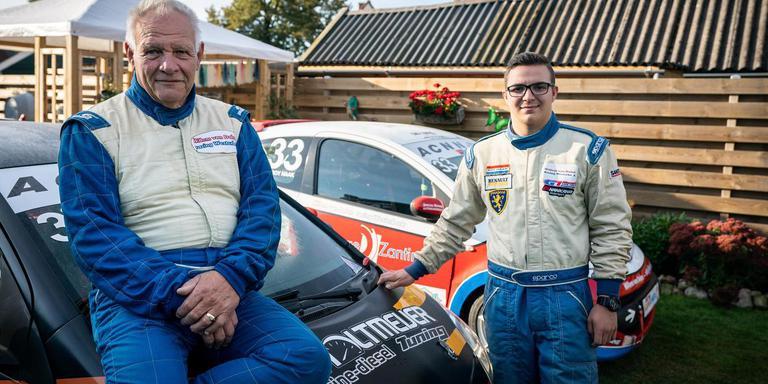 Willem van Dalen en kleinzoon Roy Haak rijden zondag allebei in de PTC-klasse. FOTO JASPAR MOULIJN