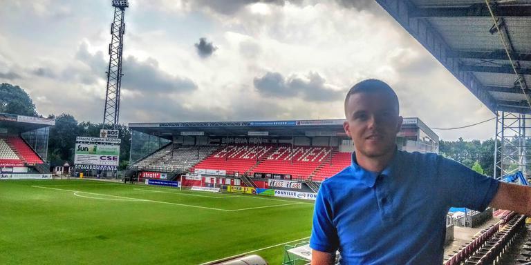 Jos Schaart in het deels vernieuwde stadion Oude Meerdijk van FC Emmen. FOTO DVHN