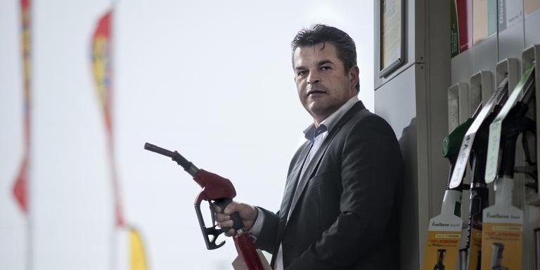 Pomphouder Ewout Klok, bestuurder van de belangenvereniging van tankstationhouders: ,,Idiooot dat de banken geen back-up systeem hebben.'' Foto: Kees van de Veen.