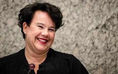 Dijksma (PvdA) stelt kamervragen over kraamzorg Treant Ziekenhuizen
