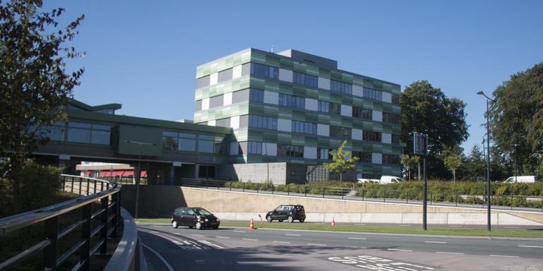 Het Emmer gemeentehuis. Foto: DvhN