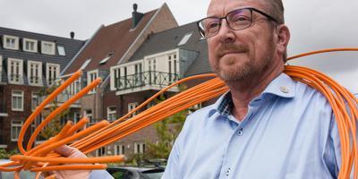 Peter de Vries, grondlegger van glasvezelcoöperatie Sterk Midden-Drenthe. Foto Gerrit Boer