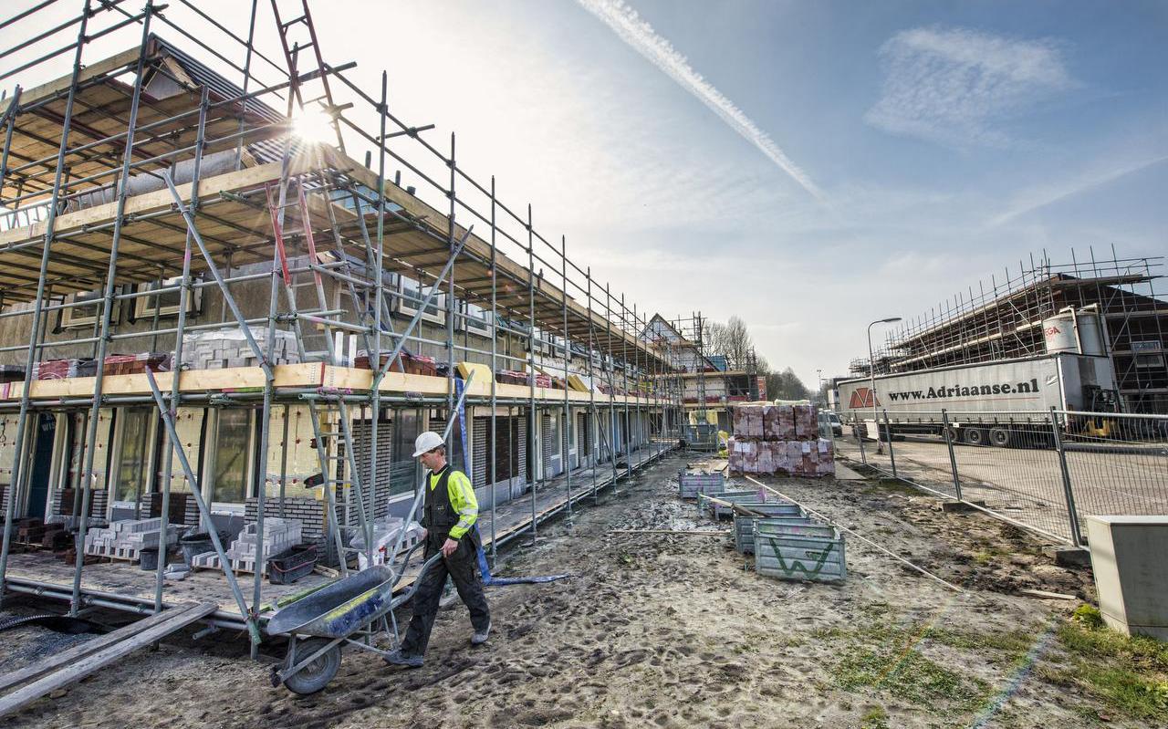 In Assen-Oost zijn de afgelopen jaren al veel nieuwe woningen gebouwd, zoals aan de Eiberstraat. Foto archief Marcel Jurian de Jong