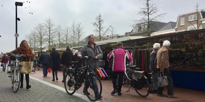 De markt in de Hoofdstraat in Hoogeveen. FOTO DVHN