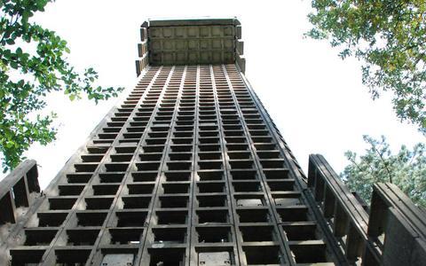 Staatsbosbeheer wil luchtwachttoren in Ruinen openstellen voor publiek maar zoekt eerst nog twee ton voor restauratie van militair monument
