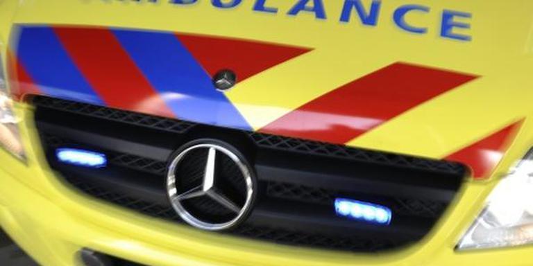 Aan de Buitenvaart in Hoogeveen raakte dinsdagochtend een auto te water.