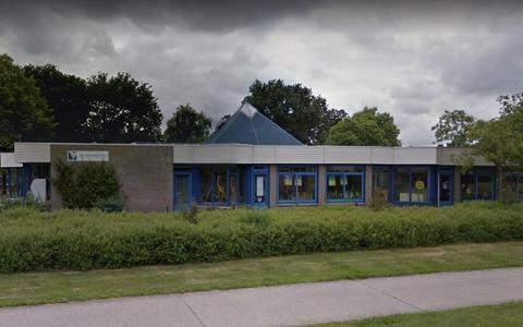 Schoolbestuur Diedeldoorn wil schikken over lekkend dak, maar gemeente Emmen wil dat Raad van State beslist