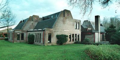 Het pand van de openbare bibliotheek aan de Middenstraat in Zuidlaren. Foto DvhN