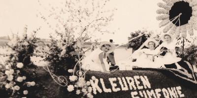 Foto van het eerste bloemencorso in Eelde