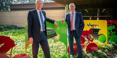 Voor Rudi Eding en Henk Emmens van de Stichting Terug naar Westerbork was de presentatie van de plannen een belangrijke mijlpaal. Foto Jaspar Moulijn