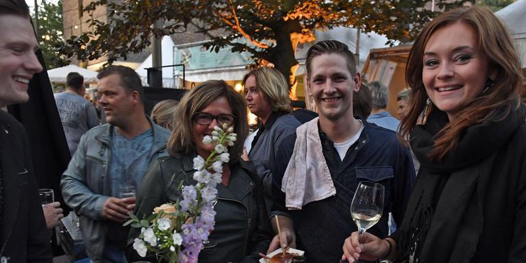 Sibrand Ottens (met doek over zijn schouder) debuteerde afgelopen weekend op het Emmer festijn MM Culinair.
